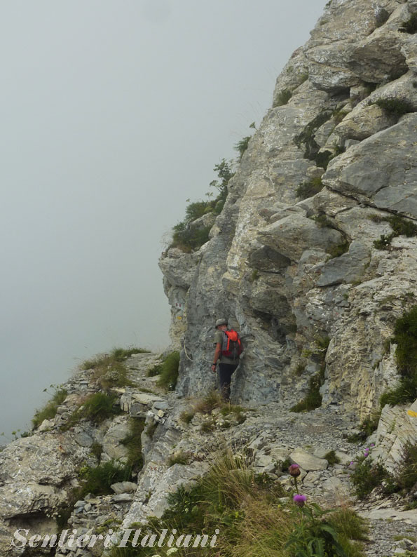 sentiero alpini sulle alpi liguri, dalla gola di gouta al